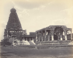 Tanjore Pagoda. General view of inner court